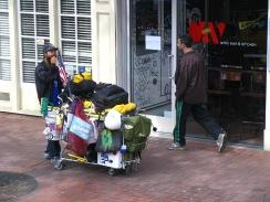 Бездомниците са често явление по улиците на града.