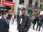 John Carlos дава интервю по време на Окупирай Уолстрий Чикаго